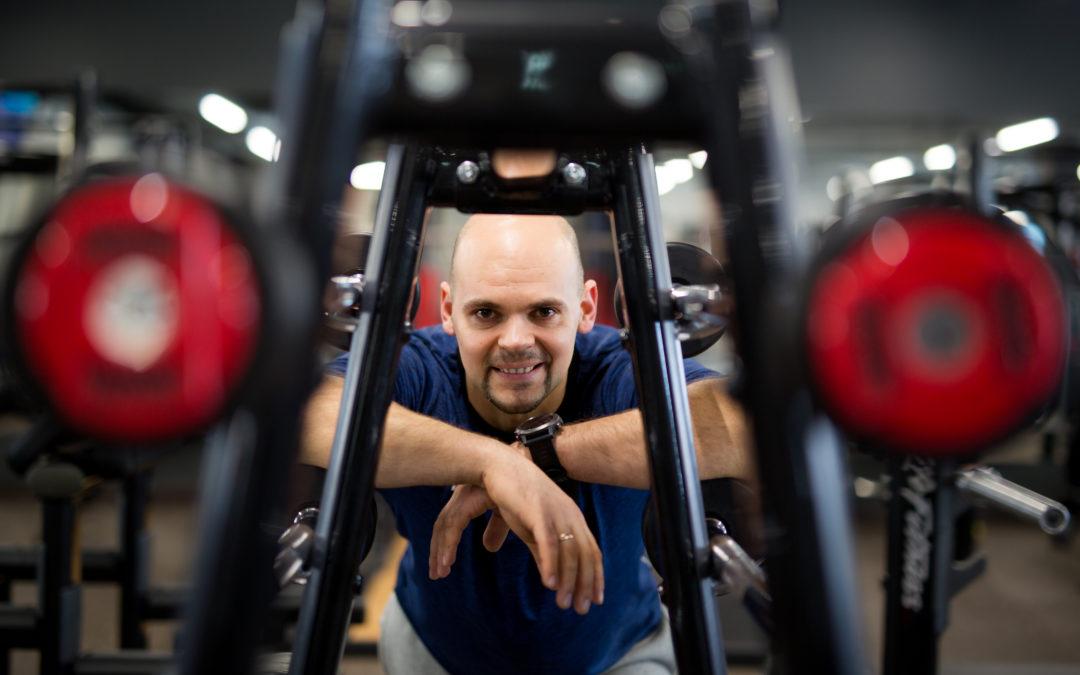 Kovos menų ekspertas: štai kur tikrų vyrų ir stiprių moterų treniruotės
